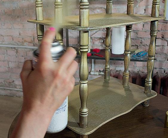 Покрытие мебели аэрозоль краской в баллончиках - фото
